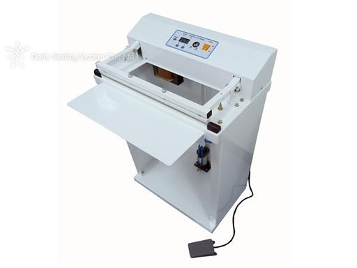 Foot type pneumatic heat cutting sealer